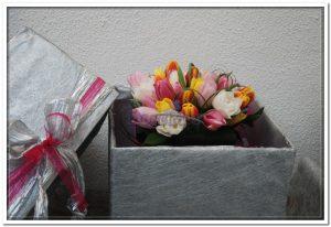 Ramo de aniversário com tulipas3
