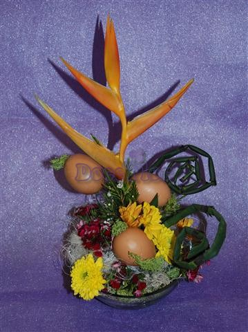 282 Arranjo Floral Páscoa