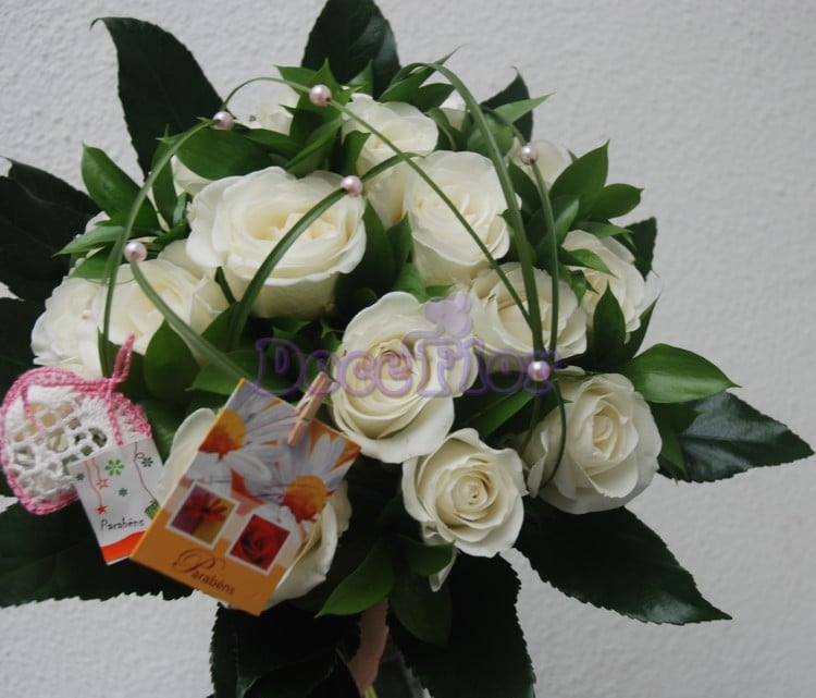 Bouquet de Rosas Brancas