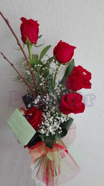 Ramo em espiral 5 rosas