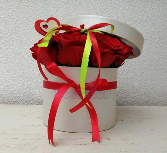 Caixa Redonda com rosas – Médio