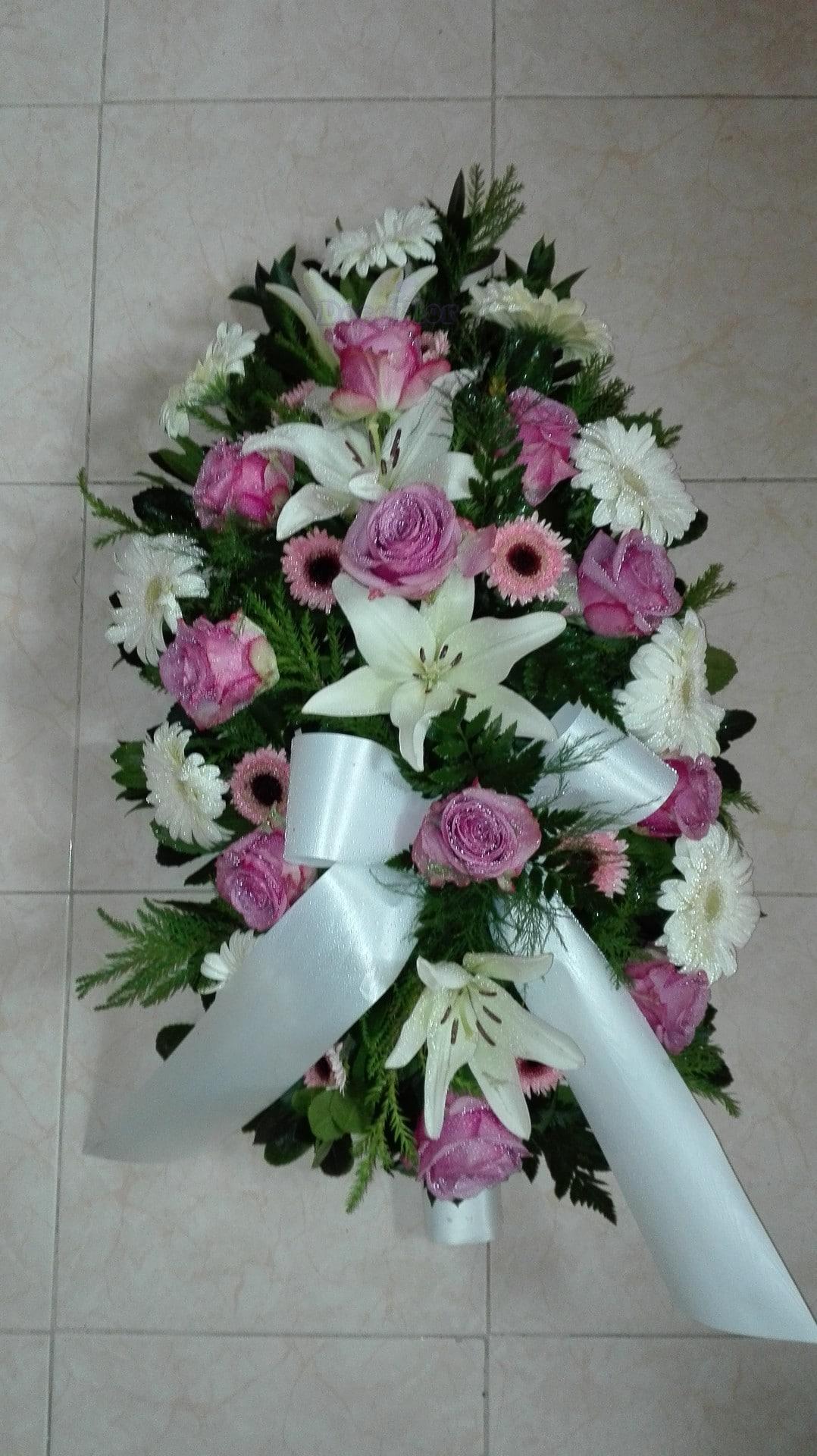 Palma de Funeral em tons branco e rosa