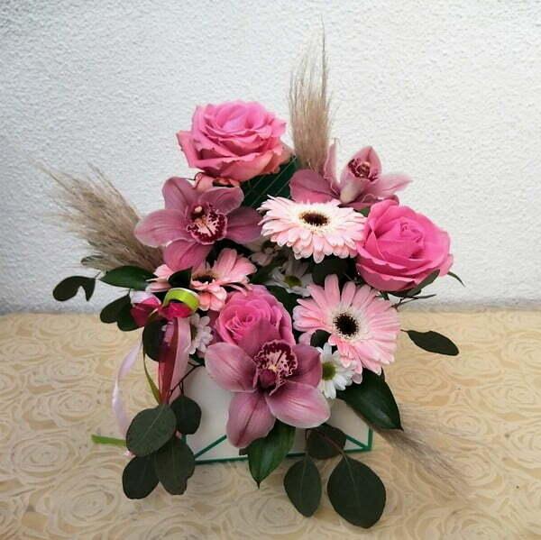 Caixa envelope com Flores Dia da Mãe